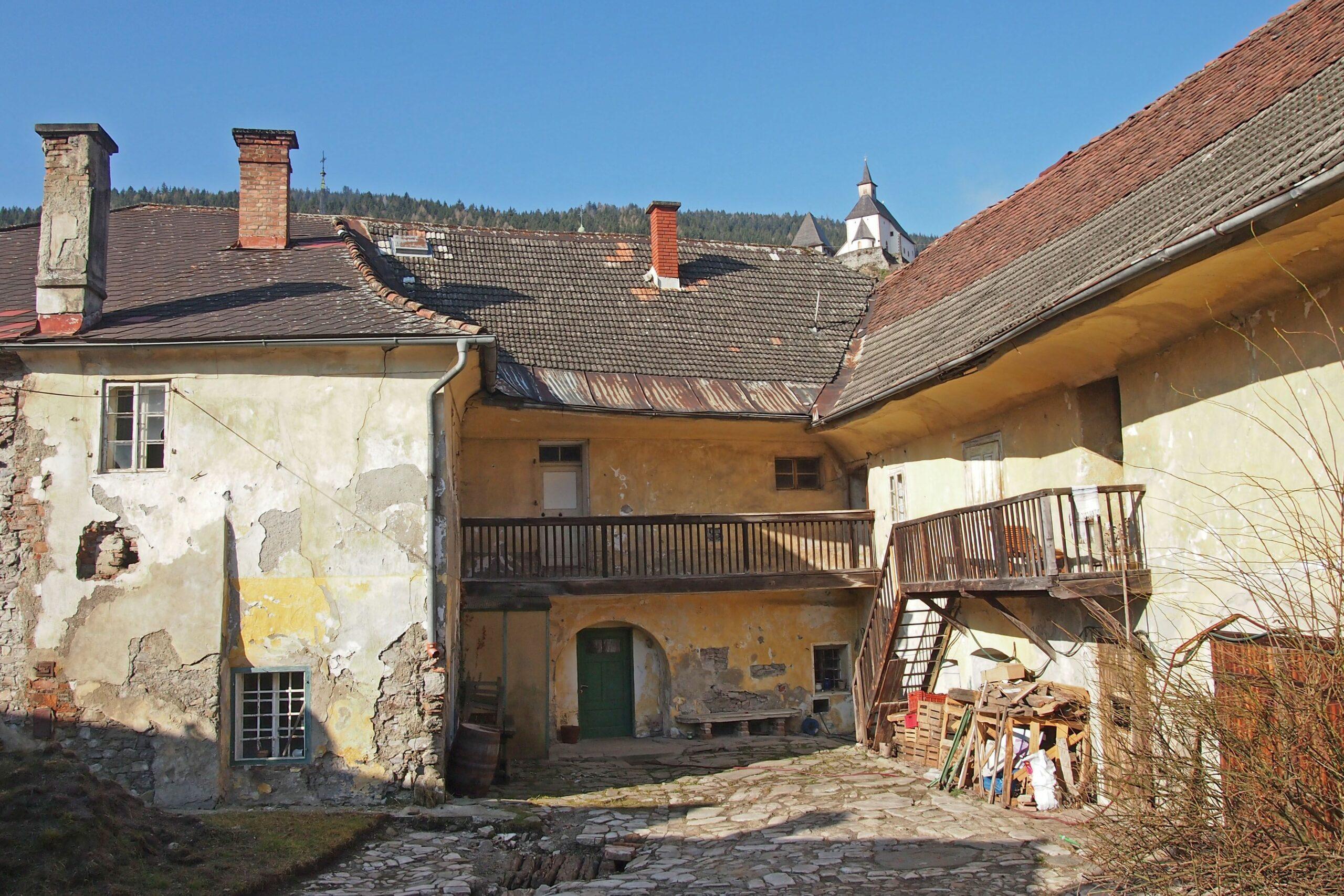 Dachlandschaft vor der Restaurierung