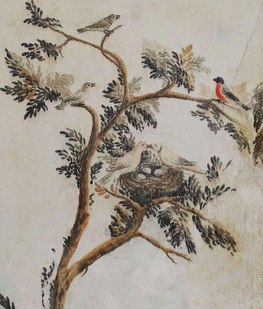 Josephinische Wandmalerei mit Vögeln auf einem Baum und Turteltauben mit Nest in ehemaliger Schlafnische im 1. Stock