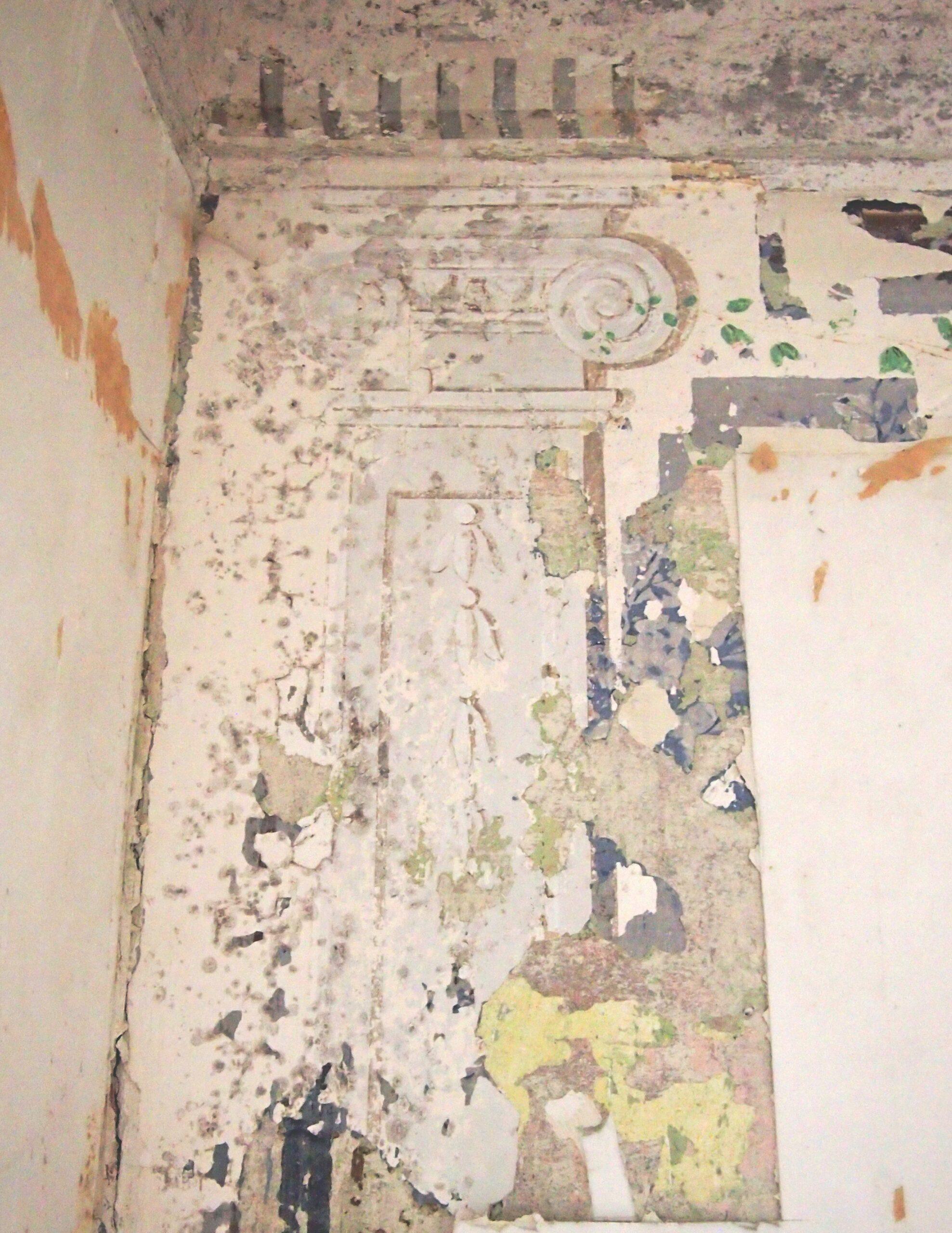 Ehemaliger Salon, Pilastermotiv mit Kapitell,, Ende 18. Jh. t