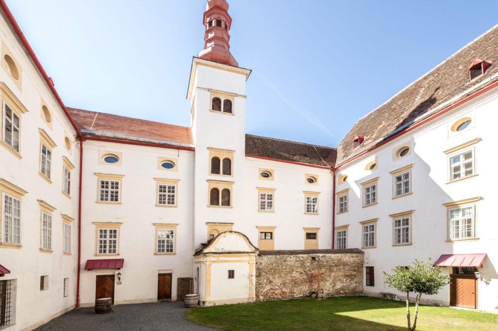 Schloss Krumbach ©_Hendrich Real Estate GmbH