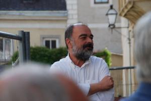 Foto 11        Dr. Georg Graf Spiegelfeld-Schneeburg begrüßt die Gäste