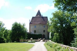 Burg Rastenberg, Vorburg mit Torturm