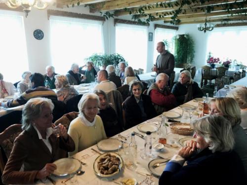 Mittagessen im Kloster Moldovita